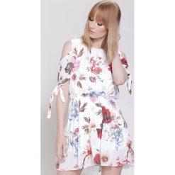 Sukienki: Biała Sukienka Free Mind