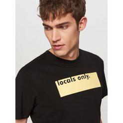 T-shirty męskie: T-shirt z napisem locals only – Czarny
