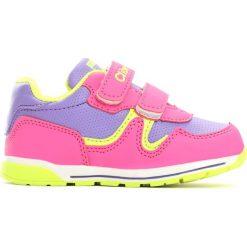 Różowe Buty Sportowe Peachy. Czerwone buty sportowe dziewczęce Born2be, ze skóry, z okrągłym noskiem, na płaskiej podeszwie. Za 59,99 zł.