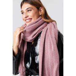 Szaliki damskie: NA-KD Accessories Szalik Woven Pinstripe - Pink