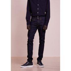 Rag & bone FIT Jeansy Slim Fit blue. Niebieskie jeansy męskie regular rag & bone, z bawełny. W wyprzedaży za 343,60 zł.