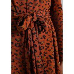 Sukienki hiszpanki: See u Soon LEOPARD DRESS Sukienka letnia brown