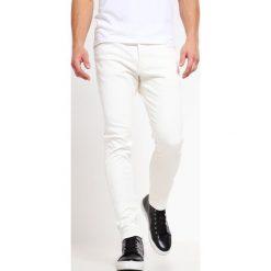 Jeansy męskie regular: Earnest Sewn BRYANT SLOUCHY  Jeansy Slim Fit off white