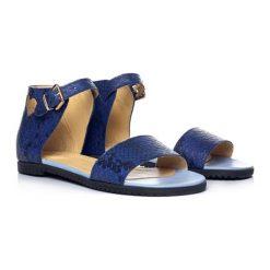 Skórzane sandały w kolorze granatowym. Niebieskie sandały męskie skórzane L37, na płaskiej podeszwie. W wyprzedaży za 289,95 zł.