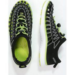 Keen UNEEK O2 Sandały trekkingowe black/macaw. Czerwone sandały chłopięce marki Keen, z materiału. Za 249,00 zł.