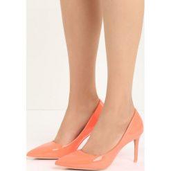 Pomarańczowe Szpilki Killer Heels. Brązowe szpilki Born2be. Za 34,99 zł.