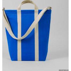 Ekologiczna torba na zakupy w kolorowe pasy. Niebieskie torby na ramię męskie Pakamera, w kolorowe wzory, na ramię. Za 269,00 zł.