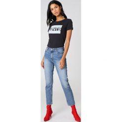 Levi's T-shirt The Perfect Sportswear - Black. Czarne t-shirty damskie marki Levi's®, s, z nadrukiem, z bawełny, z okrągłym kołnierzem. Za 80,95 zł.