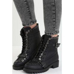 Czarne Botki Stylish. Czarne buty zimowe damskie Born2be, na niskim obcasie. Za 89,99 zł.