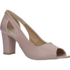 Różowe czółenka na słupku Casu 1399. Czerwone buty ślubne damskie marki Reserved, na wysokim obcasie. Za 89,99 zł.