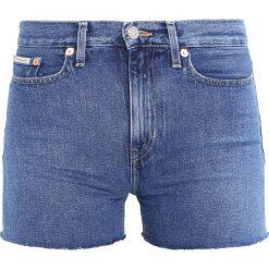 Calvin Klein Jeans HIGH RISE Szorty jeansowe vintage mid. Niebieskie jeansy damskie Calvin Klein Jeans. W wyprzedaży za 199,50 zł.