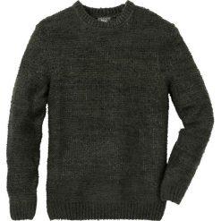 Sweter melanżowy Regular Fit bonprix ciemnozielono-ciemnoszary melanż. Zielone swetry klasyczne męskie marki bonprix, l, melanż. Za 99,99 zł.