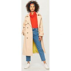Płaszcz typu trencz - Beżowy. Brązowe trencze damskie marki Reserved. W wyprzedaży za 149,99 zł.