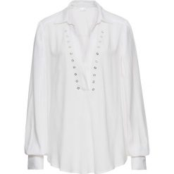 Bluzka z oczkami bonprix biel wełny. Czarne bluzki z odkrytymi ramionami marki bonprix, z nadrukiem. Za 59,99 zł.