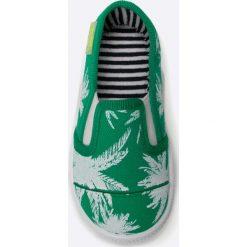 Befado - Tenisówki dziecięce. Szare buty sportowe dziewczęce marki Befado, z materiału. W wyprzedaży za 19,90 zł.
