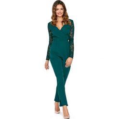 Szykowny Zielony Kombinezon w Serek z Rękawami z Koronki. Zielone kombinezony eleganckie marki Molly.pl, l, w koronkowe wzory, z koronki, z dekoltem na plecach, z długim rękawem, długie. Za 229,90 zł.