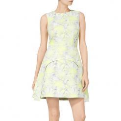 Sukienka w kolorze limonkowym. Żółte sukienki mini marki BOHOBOCO, z dekoltem na plecach. W wyprzedaży za 1069,95 zł.