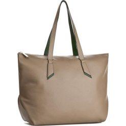 Torebka COCCINELLE - A15 Iphigenie E1 A15 11 01 01 Taupe/Imperial 551. Brązowe torebki klasyczne damskie marki Coccinelle, ze skóry. W wyprzedaży za 699,00 zł.
