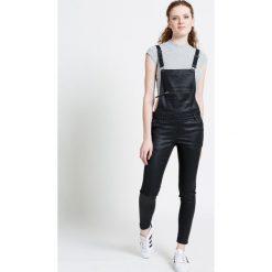 Review - Jeansy. Czarne jeansy damskie rurki Review, z obniżonym stanem. W wyprzedaży za 119,90 zł.