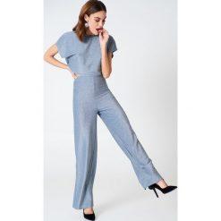 Spodnie z wysokim stanem: Hannalicious x NA-KD Brokatowe spodnie – Blue