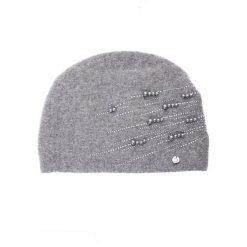 Szara czapka z perełkami QUIOSQUE. Szare czapki damskie QUIOSQUE, z poliamidu. Za 119,99 zł.