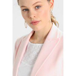 Płaszcze damskie pastelowe: Baukjen LEXDEN  Krótki płaszcz soft blush