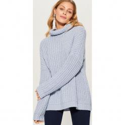 Sweter z golfem - Niebieski. Brązowe golfy damskie marki Mohito, m. Za 129,99 zł.