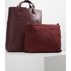 Zign Torba na zakupy bordeaux. Czerwone torebki klasyczne damskie Zign. W wyprzedaży za 271,20 zł.
