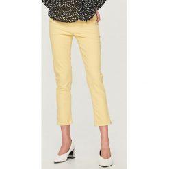 Spodnie z wysokim stanem - Żółty. Żółte spodnie z wysokim stanem Reserved. Za 99,99 zł.