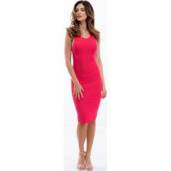 Sukienki: Koralowa prosta sukienka 3547