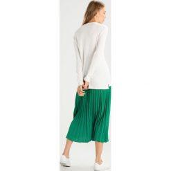 Swetry klasyczne damskie: Abercrombie & Fitch COZY LOGO Sweter white