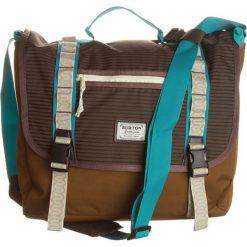 """Torebka """"Flint Messenger"""" w kolorze jasnobrązowym - 44 x 38 x 10 cm. Brązowe torby na ramię męskie marki Kazar, ze skóry, przez ramię, małe. W wyprzedaży za 107,95 zł."""