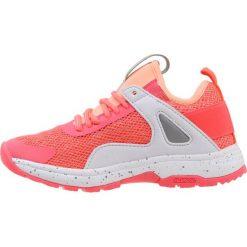 Icepeak DUBLIN Obuwie hikingowe neon rose. Czerwone buty sportowe chłopięce Icepeak, z materiału, outdoorowe. Za 229,00 zł.