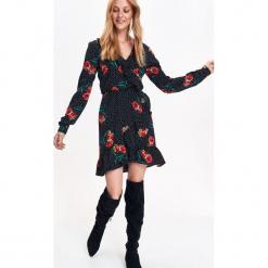 SUKIENKA DAMSKA, Z FALBANĄ, W KWIATY, Z DŁUGIM RĘKAWEM. Szare sukienki hiszpanki Top Secret, na jesień, w kwiaty, z tkaniny, z długim rękawem. Za 99,99 zł.