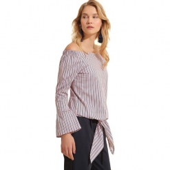 Bluzka w kolorze szarym. Szare bluzki z odkrytymi ramionami Almatrichi, w paski. W wyprzedaży za 99,95 zł.