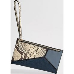 Portfel z wytłoczonym wzorem - Wielobarwn. Czerwone portfele damskie marki Mohito, z bawełny. Za 39,99 zł.