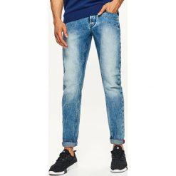 Jeansy STRAIGHT - Niebieski. Niebieskie jeansy męskie Cropp. Za 89,99 zł.