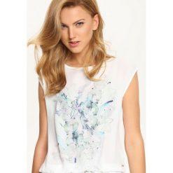 T-SHIRT KRÓTKI RĘKAW DAMSKI. Szare t-shirty damskie marki Top Secret, w ażurowe wzory. Za 39,99 zł.