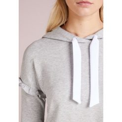 BOSS CASUAL TAFRILL Bluza z kapturem light/pastel grey. Szare bluzy z kapturem damskie BOSS Casual, s, z bawełny. Za 539,00 zł.