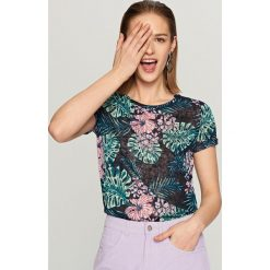 T-shirt w kwiaty - Granatowy. Niebieskie t-shirty damskie Reserved, l, w kwiaty. W wyprzedaży za 29,99 zł.