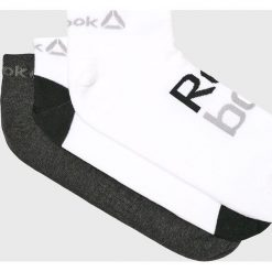 Reebok - Skarpetki (3-pack). Szare skarpetki damskie marki Reebok, l, z dzianiny, z okrągłym kołnierzem. W wyprzedaży za 39,90 zł.