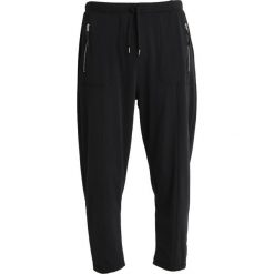 DAY Birger et Mikkelsen LELO Spodnie treningowe black. Czarne bryczesy damskie DAY Birger et Mikkelsen, l, z dresówki. Za 629,00 zł.