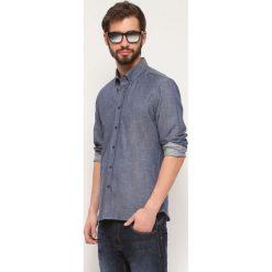 KOSZULA DŁUGI RĘKAW MĘSKA. Szare koszule męskie jeansowe marki Top Secret, m, z długim rękawem. Za 39,99 zł.
