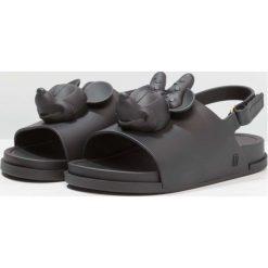 Sandały chłopięce: Melissa MINI DISNEY BEACH SLIDE Sandały kąpielowe black matt