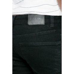 Only & Sons - Jeansy Warp Black. Czarne rurki męskie marki Only & Sons. W wyprzedaży za 99,90 zł.