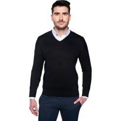 Swetry klasyczne męskie: sweter nagel w serek czarny