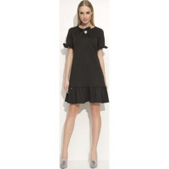 Sukienki: Czarna Sukienka z Wiązaną Kokardką pod Szyją