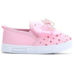 Różowe Slip On Charm. Czerwone buty sportowe dziewczęce marki Born2be, na jesień, z materiału, z okrągłym noskiem. Za 49,99 zł.