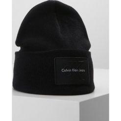 Czapki damskie: Calvin Klein Jeans REISSUE BEANIE Czapka black