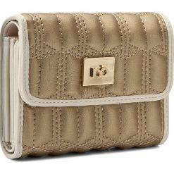 Duży Portfel Damski NOBO - NPUR-0520-C023 Złoty. Żółte portfele damskie Nobo, ze skóry ekologicznej. W wyprzedaży za 99,00 zł.